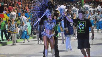Diego Maradona se divierte en el Carnaval de Corrientes
