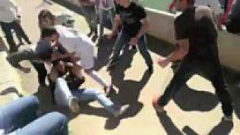 "[VIDEO] ""¡Qué vergüenza!"": la pelea campal entre padres de un club de fútbol infantil"
