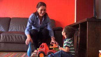 [VIDEO] Nueva ley entregaría licencias a padres para cuidar a hijos enfermos