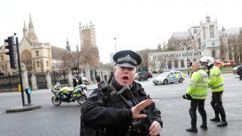 [FOTOS] Policía acuchillado y atropello múltiple en las afueras del Parlamento Británico