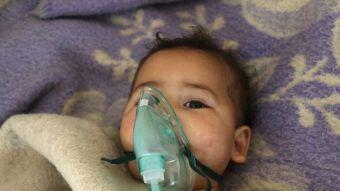 [FOTOS] Un ataque con gas tóxico deja muertos y heridos en Siria