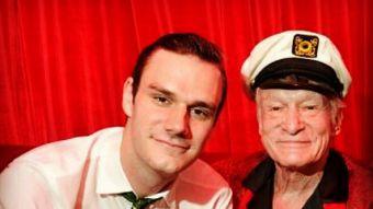 Cooper Hefner y su padre Hugh