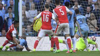 [VIDEO] El gol de Alexis en la victoria de Arsenal sobre Manchester City en la Copa FA