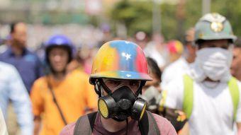 [FOTOS] Venezuela completa 40 días de manifestaciones callejeras contra Maduro