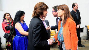 Camilo Sesto con la Vocera de Gobierno Paula Narváez