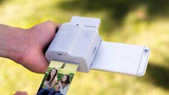 Prynt Pocket: El dispositivo que permite imprimir fotografías al instante desde un iPhone