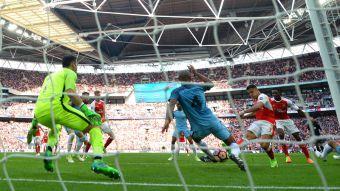 [VIDEO] La catedral de Alexis: Sánchez va por otro título con Arsenal en Wembley