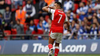 [VIDEO] Alexis descansa antes de la Confederaciones y suben las ofertas de clubes interesados en él