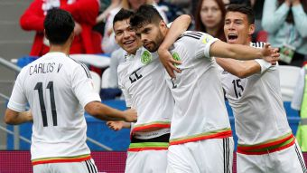 [VIDEO] Néstor Araujo marca el empate 1-1 para México ante Rusia en Copa Confederaciones