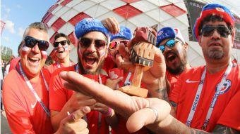 [VIDEO] Copa Confederaciones: La Marea Roja pone la fiesta en Moscú