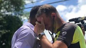 Hombre cruzó un país para escuchar el corazón de su hija en el pecho del hombre al que salvó