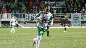 [FOTOS] Así fue el debut del Loco Abreu con Puerto Montt en Copa Chile