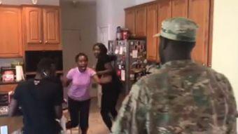 [VIDEO] Soldado vuelve a casa y se lleva emotiva reacción de su familia