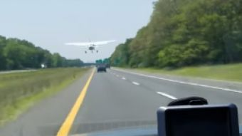 Avión aterriza de emergencia en Nueva York