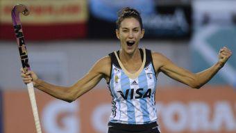 """[VIDEO] Una """"leona"""" en Chile: Luciana Aymar se instala en Santiago junto a Fernando González"""