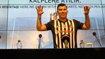 [FOTOS] Así fue la llegada de Gary Medel a Besiktas