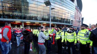 [FOTOS] Hinchas llegan en masa a ver duelo Arsenal-Colonia por Europa League
