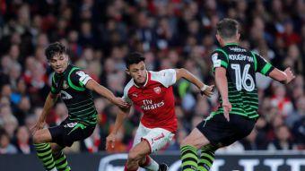 [VIDEO] Arsenal destaca el malabarismo de Alexis Sánchez en medio de un partido