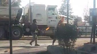 [VIDEO] Malabarista quema brutalmente a hombre en Rancagua