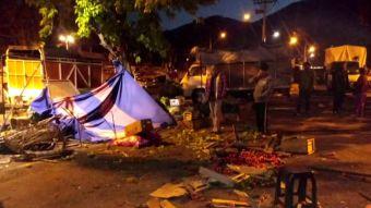 [VIDEO] Conductor arrasa a comerciantes de feria en Peñalolén