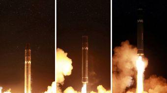 [FOTOS] Corea del Norte revela supuestas imágenes del lanzamiento de misil intercontinental