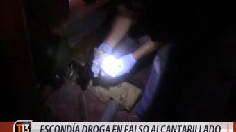 [VIDEO] Narcotraficante escondía droga en falso alcantarillado