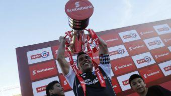 [FOTOS] El festejo de Colo Colo en el Ester Roa tras consagrarse campeón del Transición