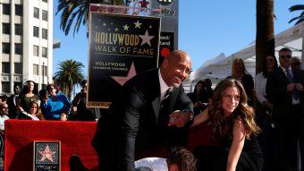 [FOTOS] Dwayne La Roca Johnson ya es una estrella a los pies de Hollywood