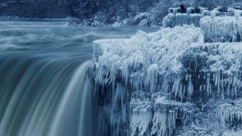 [FOTOS] Ola de frío deja asombrosas postales de las cataratas del Niágara congeladas