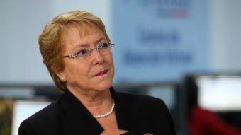 """Presidenta responde a usuario de Twitter: """"Hay Bachelet para rato"""""""