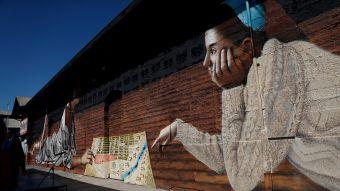 [FOTOS] Lección de Historia: Inauguran mural por los 477 años de Santiago