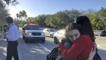 [FOTOS] Tiroteo en escuela de Florida enluta a Estados Unidos