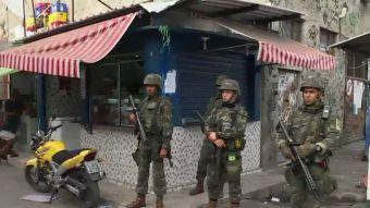 [VIDEO] Militares toman el control de seguridad en Río de Janeiro