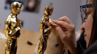 [FOTOS] Paso a paso: Así se preparan las estatuillas para los premios Oscar