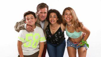 """Tamara Acosta y su familia televisiva en """"Soltera otra vez 3"""""""
