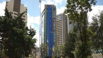 [VIDEO] Despliegan banderas en las calles de Bolivia a horas de los alegatos en La Haya