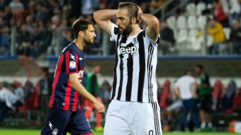 3a8511a240858 Juventus tropieza con empate y Napoli gana para acortar distancias en la  Serie A