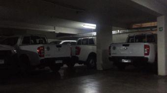 [VIDEO] El misterio de las camionetas guardadas en el Hospital de Carabineros