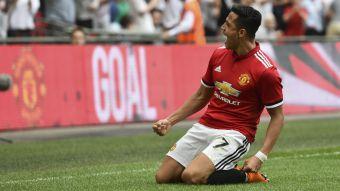 [VIDEO] T13 en Mánchester: United apuesta por Alexis de cara a la final de la Copa FA