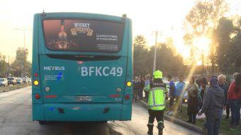 Colisión de bus del Transantiago con un triciclo deja tres fallecidos en Peñalolén