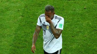 [VIDEO] Así fue la dura infracción de Boateng que dejó a Alemania con uno menos frente a Suecia