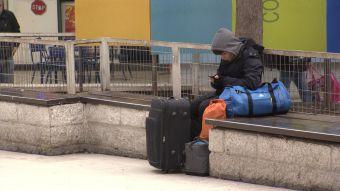 [VIDEO] Los métodos de los ladrones de maletas en los terminales de buses de Santiago
