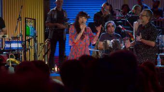 [VIDEO] Los Auténticos Decadentes estrenan canción en formato desenchufado junto a Mon Laferte
