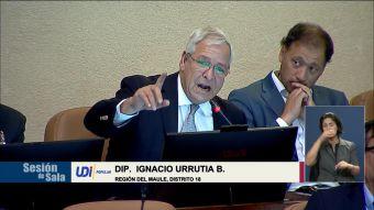 [VIDEO] Multan a diputado Ignacio Urrutia por sus dichos contra víctimas de la dictadura