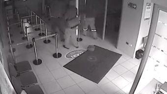 [VIDEO] Dos detenidos por asalto con rehenes
