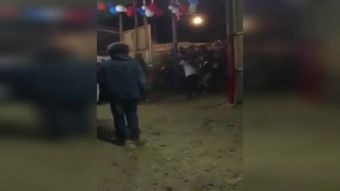 [VIDEO] Clausuran fonda en Pichilemu tras estampida humana que dejó varios heridos