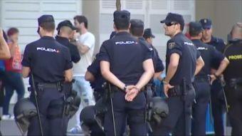 [VIDEO] Cinco mil policías reforzarán seguridad para el duelo River-Boca en Madrid