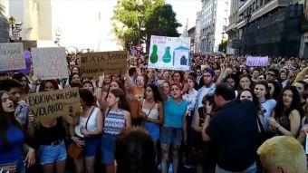 [VIDEO] Polémica por antepropuesta sobre consentimiento sexual y delitos de violación