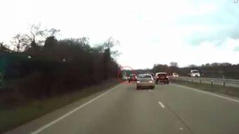 Niño de ocho años toma el volante y evita choque luego que su madre sufriera convulsiones