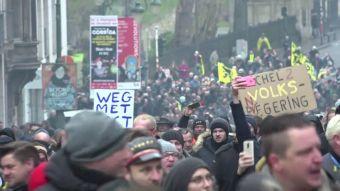 [VIDEO] Violentas protestas en Bélgica por Pacto Migratorio